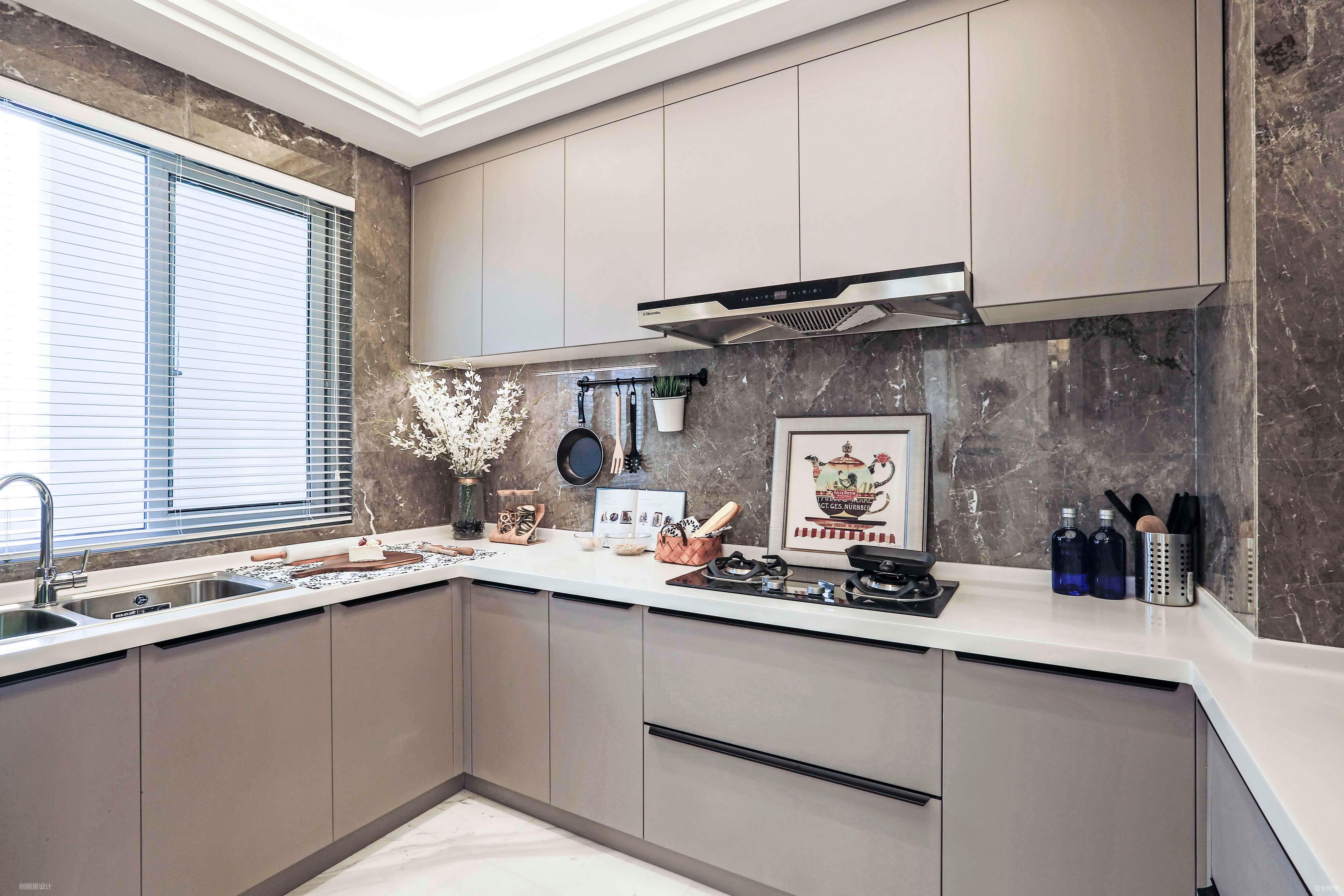 現代法式風三居室廚房裝修效果圖