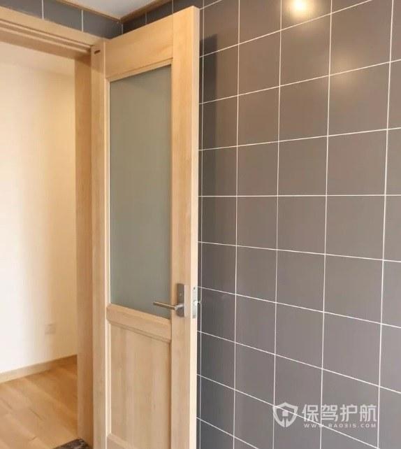 日式簡約風衛生間木門裝修效果圖