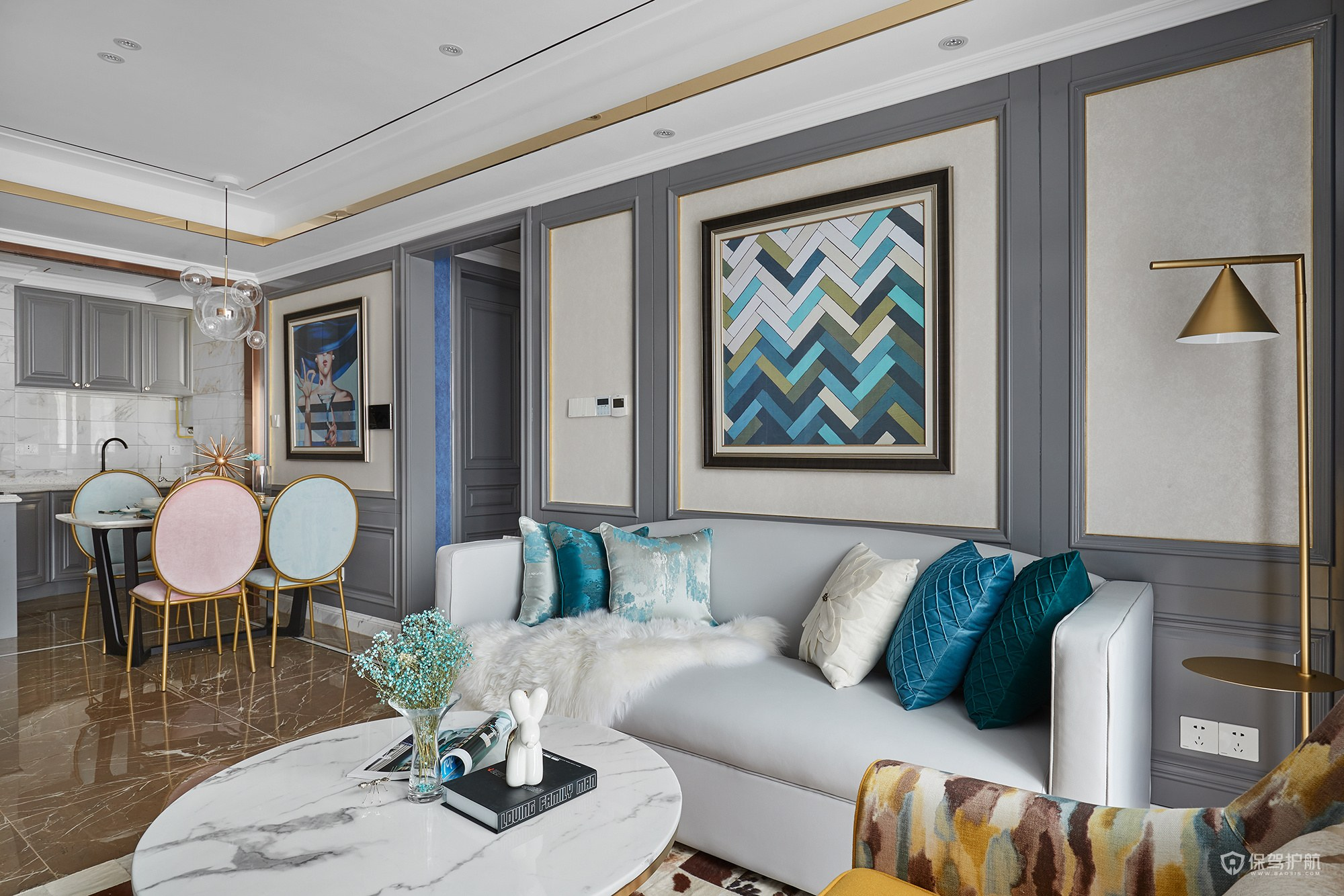 90平法式轻奢三居室客厅装修效果图