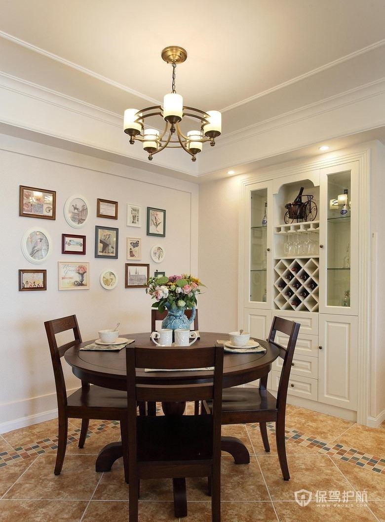 現代美式風格三居室餐廳照片墻裝修效…