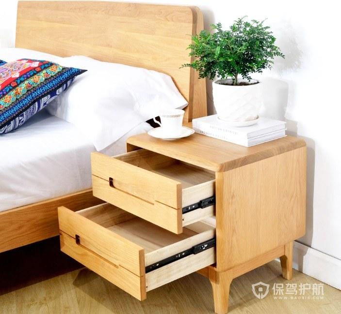 卧室简约原木色床头柜亚搏体育平台app效果图