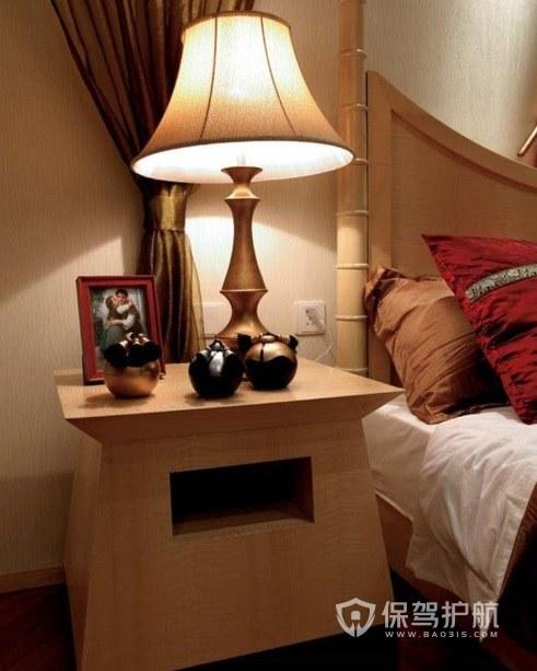 卧室日式创意实木床头柜亚搏体育平台app效果图