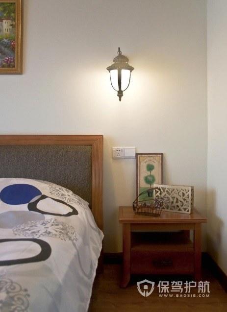 卧室实木两层床头柜亚搏体育平台app效果图