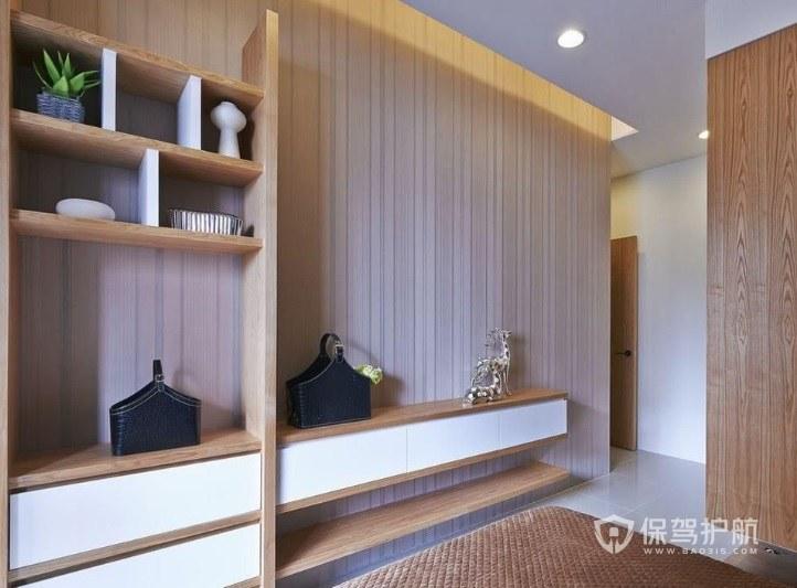 日式原木风衣帽间组合柜装修效果图