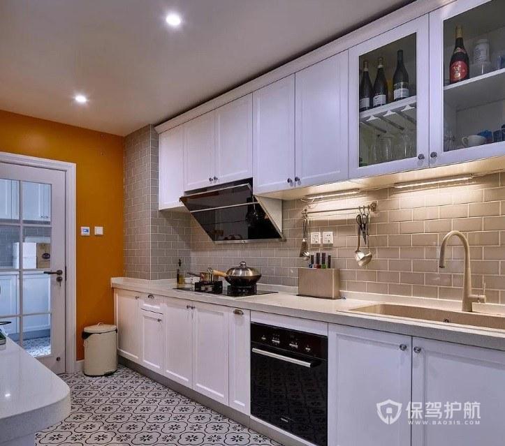 长方形厨房一字型橱柜装修效果图