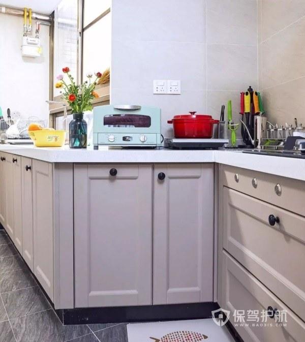 美式简约风不规则厨房装修效果图
