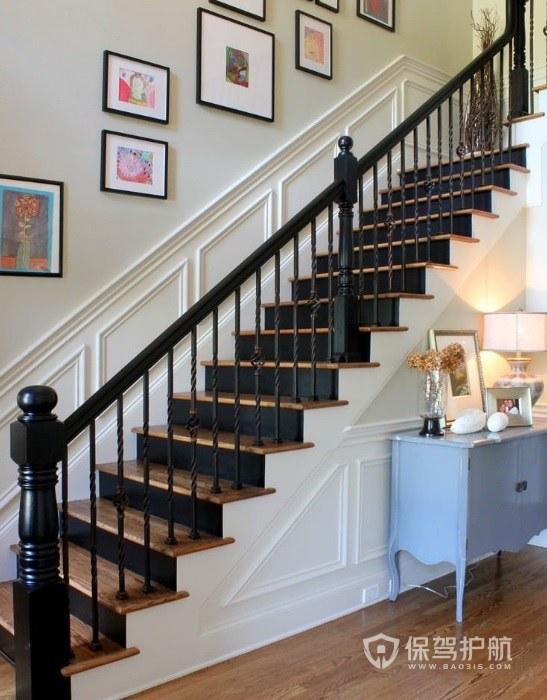 簡歐風復式樓樓梯照片墻裝修效果圖